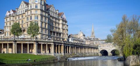 River Avon running through the historic city of Bath in Somerset, United Kingdom
