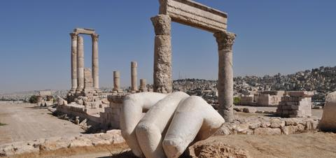 Hand of Hercules sits at the peak of a hillside in one of the city's oldest quadrants